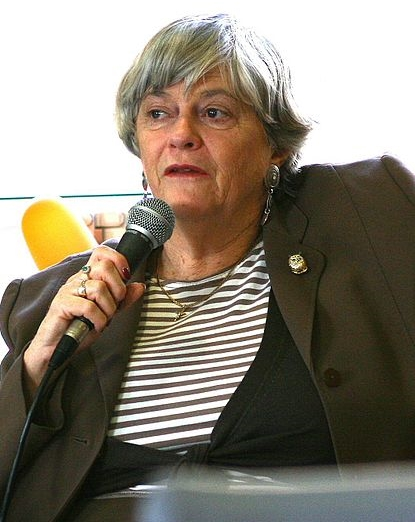 Ann Widdecombe said that in a free country people should be able to run their businesses according to their beliefs.