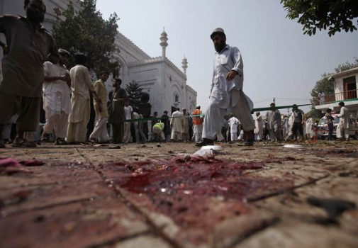Victims of All Saints Church blasts receive aid from Sindh government - Photo: Christians in Pakistan