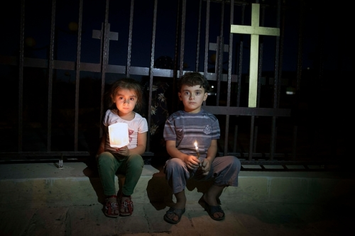 Two young Assyrians fled with their families from Islamic State's held Mosul to Koysinjaq, Iraqi Kurdistan. Photo Flickr christiaantriebert