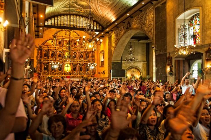 Interior_of_the_Basilica_del_Santo_Niño