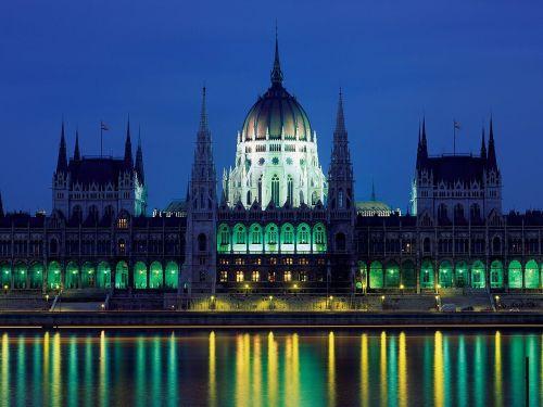 Parliament Building Budapest Hungary Photo: Wikimedia
