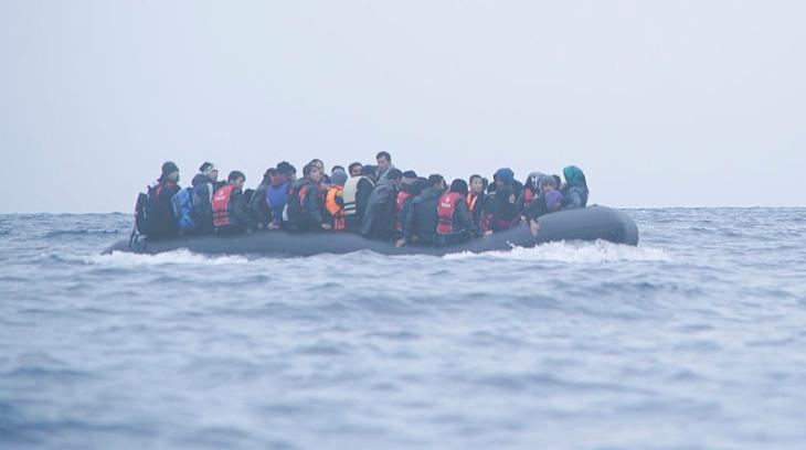 Fleeing refugees risk dangerous seas Photo: Mstyslav Chernov commons.wikimedia.org